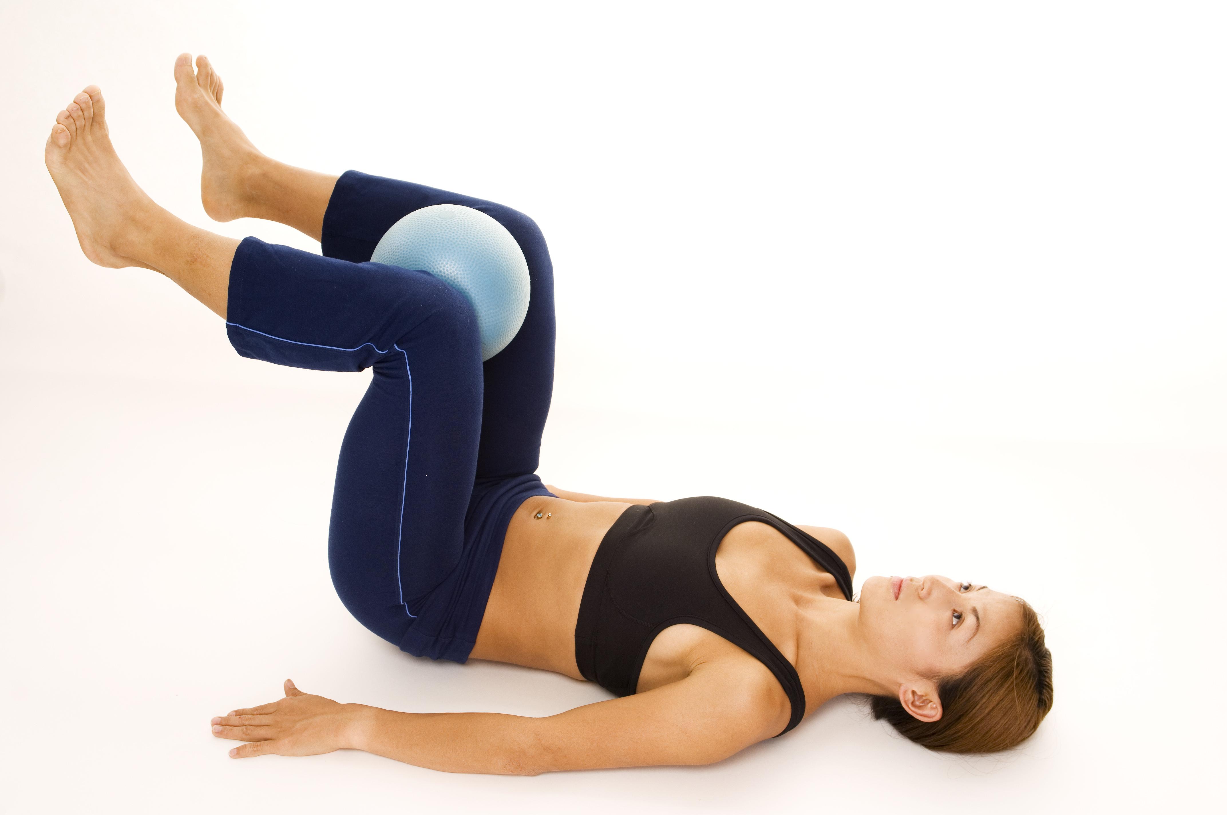 Упражнения Кегеля для женщин в домашних условиях при